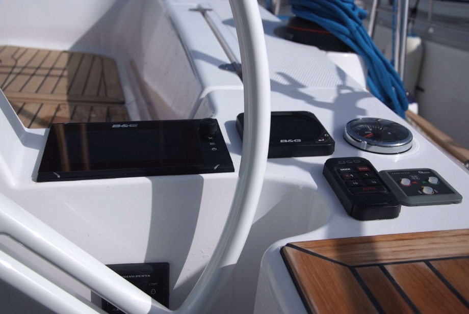 Elan 45 Impression - Heidi. Cockpit. Garant Charter, Marina Punat