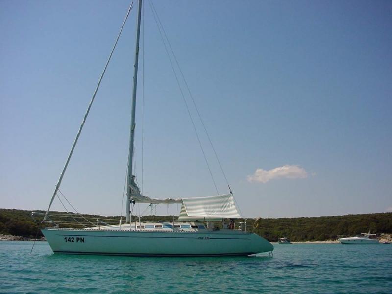 Elan 331 - Irena, Garant Charter, Marina Punat